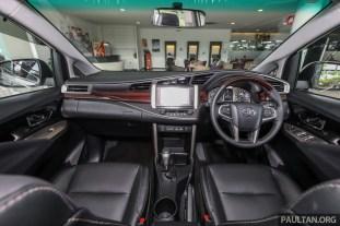 Toyota Innova X 2017_Int-1