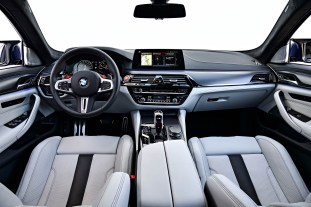 F90 BMW M5 in Portugal review official 44