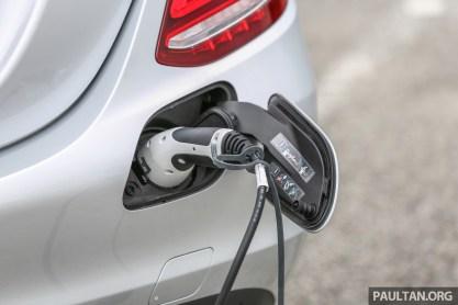 EV charging port Mercedes-Benz