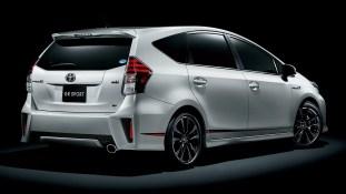 Toyota Prius a GR Sport 2