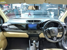 2018 Honda Amaze 10