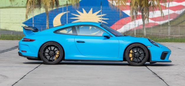 Porsche 911 GT3 Riviera Blue 4