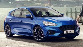 2019 Ford Focus Mk4 hatch ST Line-5_BM
