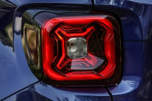 2019 Jeep Renegade Facelift 23