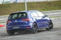 2018-Volkswagen-Golf-Mk7.5-drive-official-44_BM