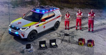 Land Rover Discovery Red Cross (46)