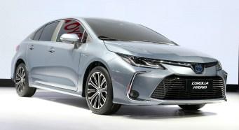 2019-Toyota-Corolla-sedan-13_BM