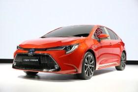 2019-Toyota-Corolla-sedan-21_BM