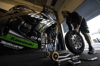 2019 Kawasaki Racing Team - 8