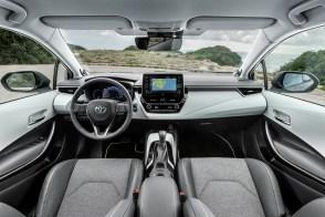 2019 Toyota Corolla Touring Sports 2.0L Hybrid Brown 25