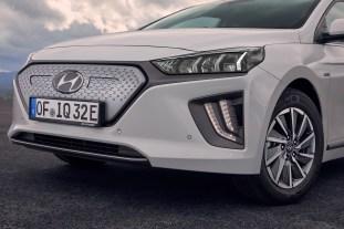 2019 Hyundai Ioniq Electric 24
