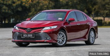 Toyota_Camry_Ext-2