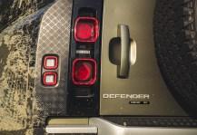 2020-Land-Rover-Defender-90_51_BM