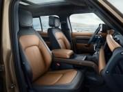 2020-Land-Rover-Defender-interior-4_BM