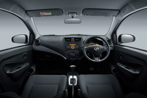 Interior_Dashboard-(1.0L-G)