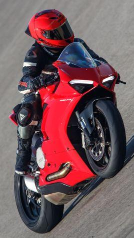 2020 Ducati Panigale V2 Jerez Press Test - 9