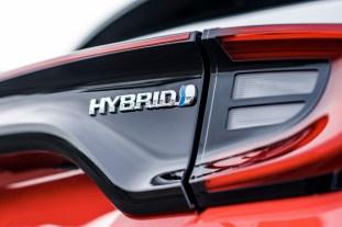 2020 Toyota Yaris Hybrid details-13