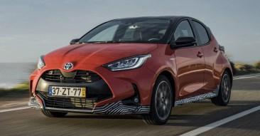 2020 Toyota Yaris Hybrid dynamics-48