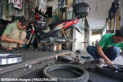 Motorcycle workshop Bernama 1