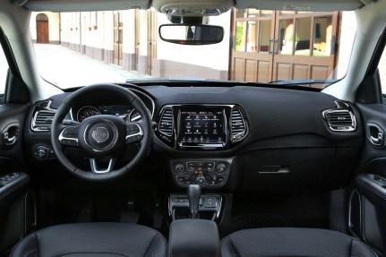 2020 Jeep Compass 32