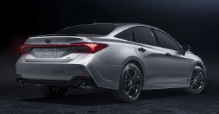 2021_Toyota_Avalon_XSENightshade_003