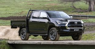 2020 Toyota HiLux SR5 Cab Chassis-3