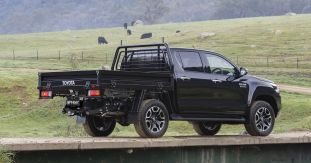 2020 Toyota HiLux SR5 Cab Chassis-4