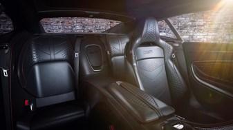 Aston Martin 007 Edition-V8 Vantage-DBS Superleggera-12