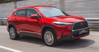 2021 Toyota Corolla Cross 1.8V Lifestyle Shots