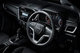 2021 Isuzu D-Max Standard Interior (2)