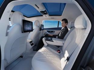 2022 Mercedes-Benz EQS-102