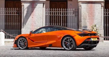 McLaren Artura in Azores Orange (2)