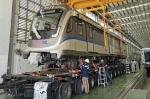 Rapid KL LRT3 first train set delivery (1)