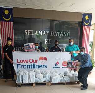 Sime Darby Motors Domino's Pizza Love Our Frontliners initiative (2)