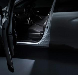 Toyota Corolla Cross Modellista_LED door smart light-2