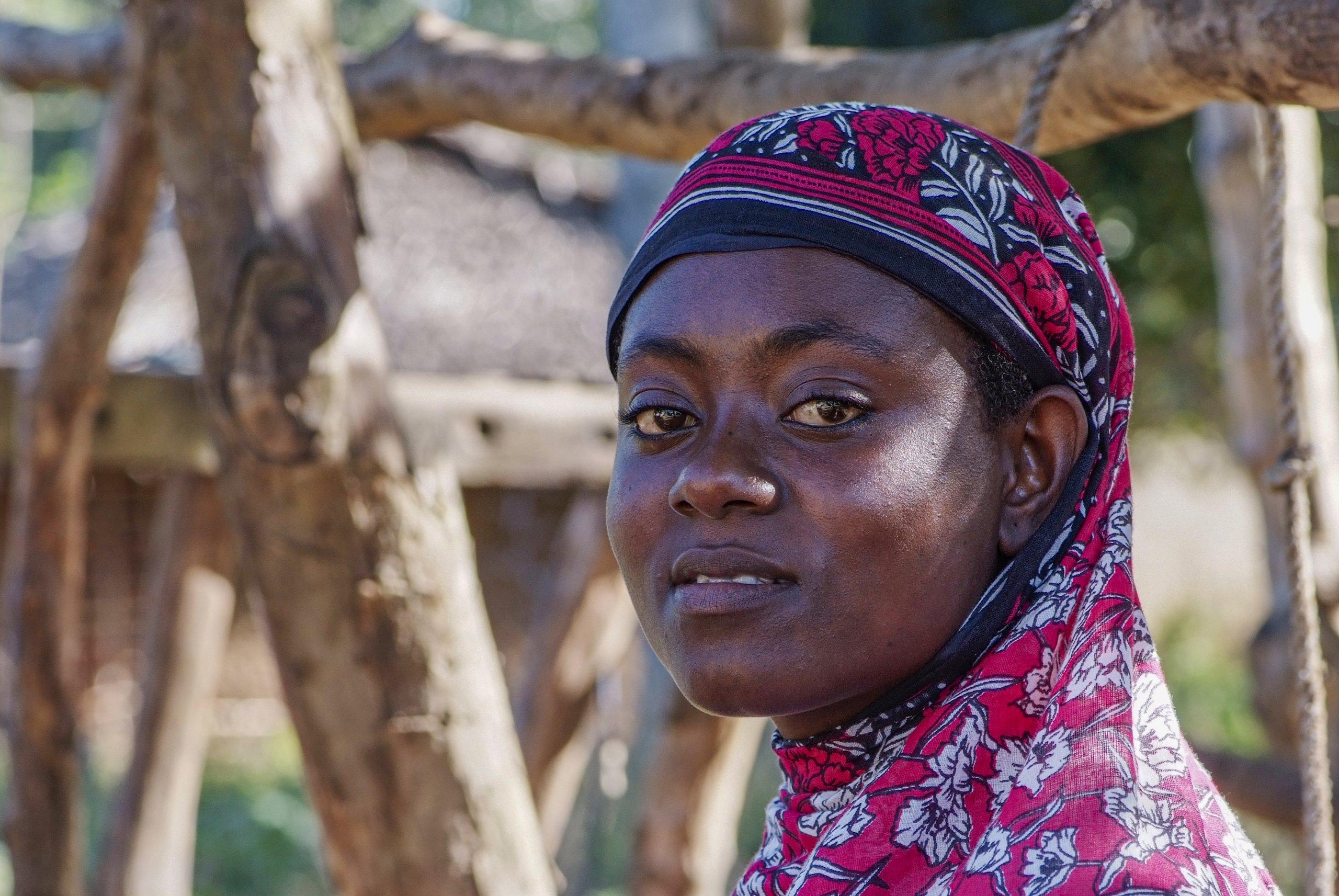 28 04 boerin trotsevrouw Maajabu Simba Pangani Tanzania 5552 scaled
