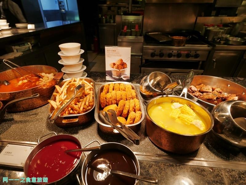 臺北喜來登大飯店 十二廚自助餐 平日午餐buffet~龍蝦湯蒸螃蟹吃到飽。整修後菜色大升級 - 阿一一之食意旅遊