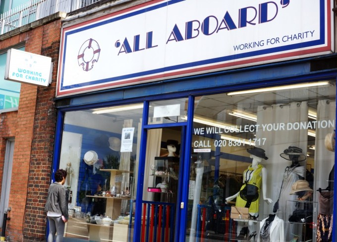 all_aboard_charity_shop_blogger_shopfront