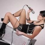 INNA estrena los temas 'Take Me Higher' y 'Low'