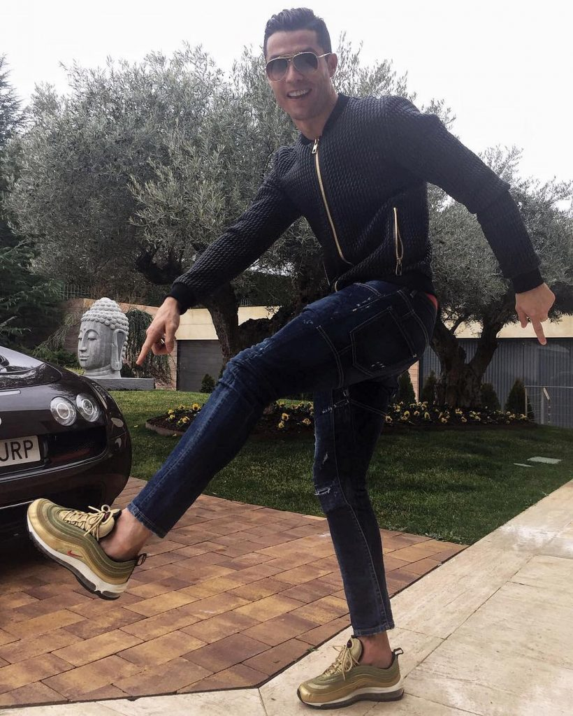 How To Style Air Max 97 : style, SPOTTED:, Cristian, Ronaldo, Dolce, Gabbana, Jacket, Sneakers, PAUSE, Online, Men's, Fashion,, Street, Style,, Fashion, Streetwear