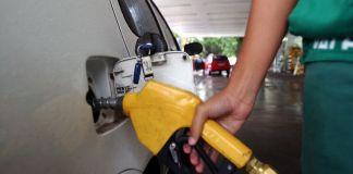 Procon-JP realiza pesquisa no preço da gasolina e mostra menores preços; confira