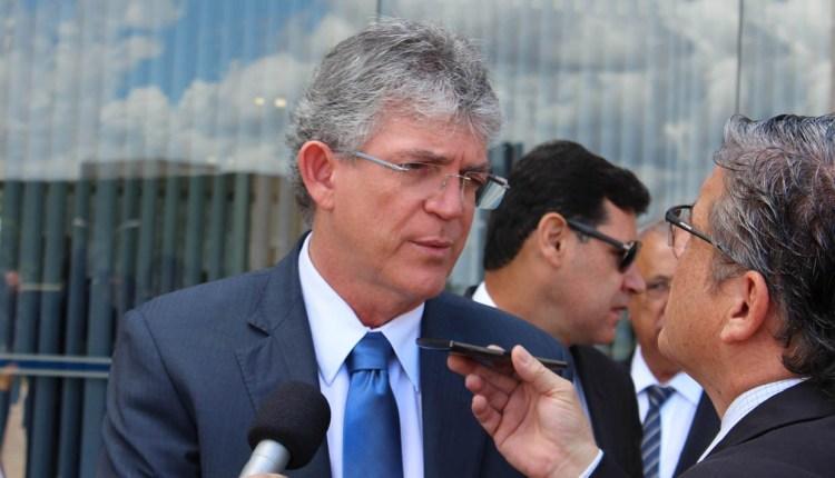 RC assina termo de cooperação com Governo de Pernambuco para construção de adutora