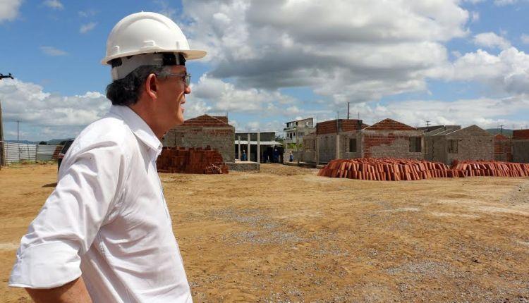 Ricardo é um dos governadores que mais cumpre promessas de campanha
