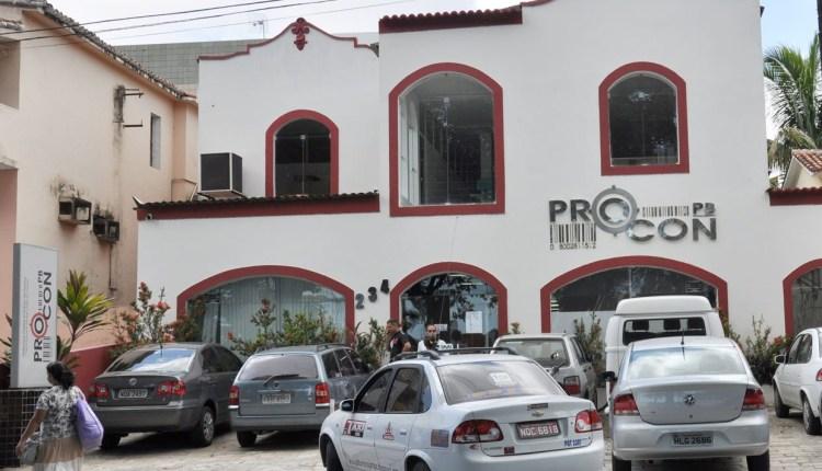 Operação Volta às Aulas do Procon-PB autua 13 lojas em João Pessoa