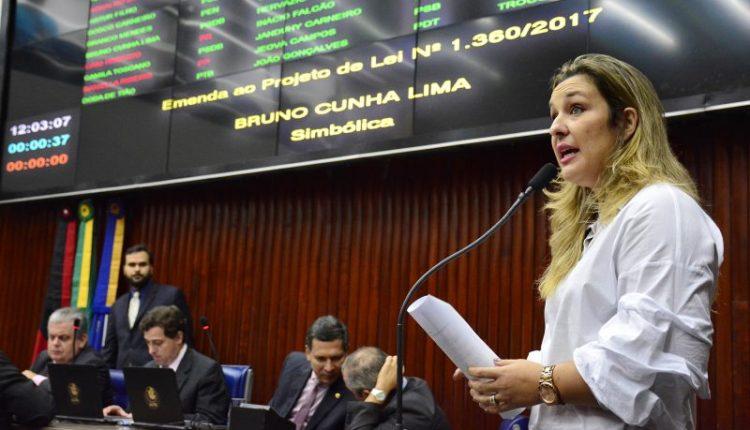 Deputada cobra que Ricardo cumpra promessa e termine reforma do Almeidão e Amigão
