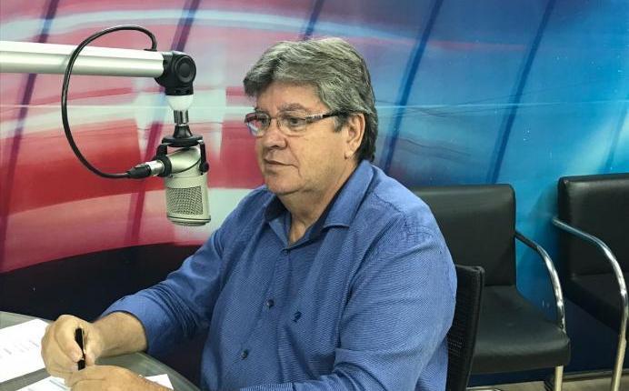 """João Azevêdo volta a criticar vice-governadora Lígia Feliciano: """"Não é só falar, mas agir"""""""
