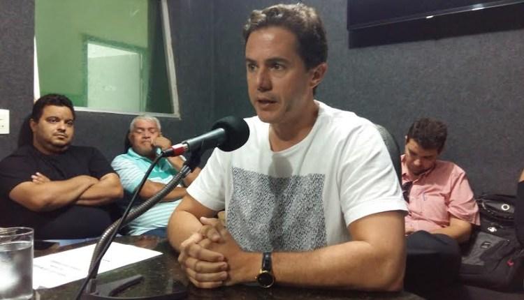 Veneziano diz que Romero gastou mais de R$ 100 milhões com 'apadrinhados'