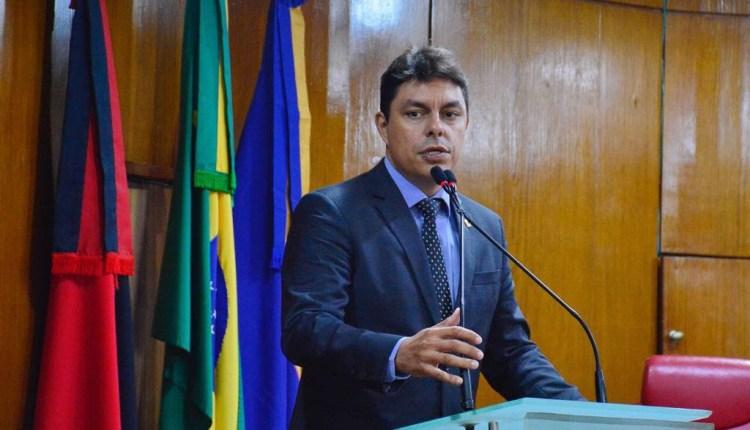 Deputado destaca agilidade do Governo em obras de mobilidade na Capital