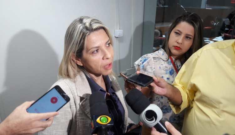 OUÇA: Eliza prevê 'fritura' de Lira e o aconselha a abrir vaga do Senado