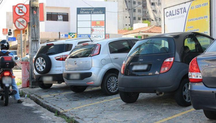 Procon-JP retoma fiscalização de estabelecimentos que usam espaço público como estacionamento privado